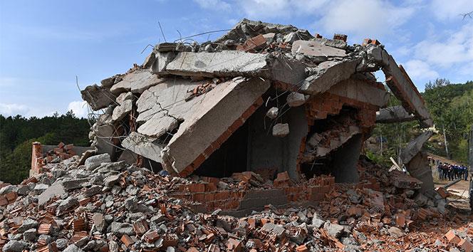 Uludağ'an eteğindeki kaçak yapılar yıkıldı