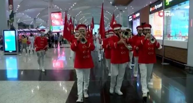 İstanbul Havalimanı'nda Cumhuriyet coşkusu