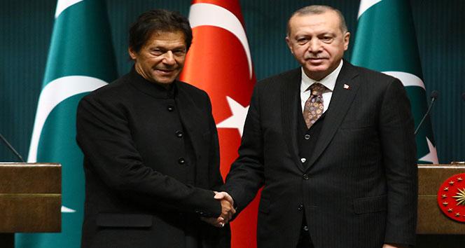 Pakistan Başbakanı Khan'dan 29 Ekim Cumhuriyet Bayramı mesajı