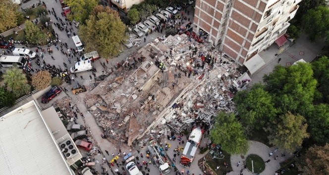İstanbul'dan İzmir'e destek ekipleri yola çıktı