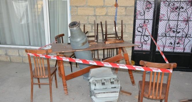 Ermenistan'ın Terter'e attığı roketler masaya ve bahçeye saplanarak patlamadı