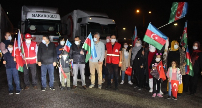 Türkiye'den Azerbaycan'a 11 tır yardım