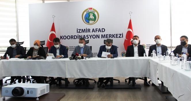 Cumhurbaşkanı Yardımcısı Oktay ve Bakan Koca depremle ilgili son bilgileri paylaştı