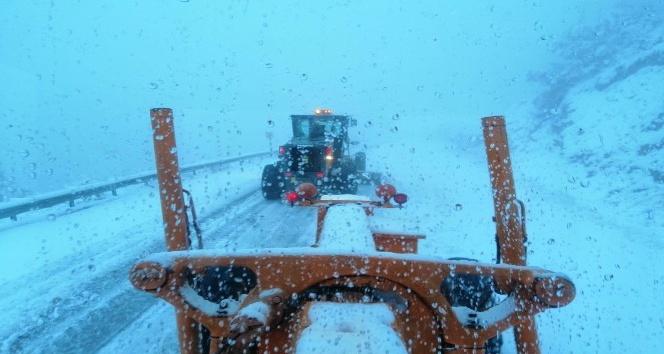 Alacabel mevkiinde kar yağışı