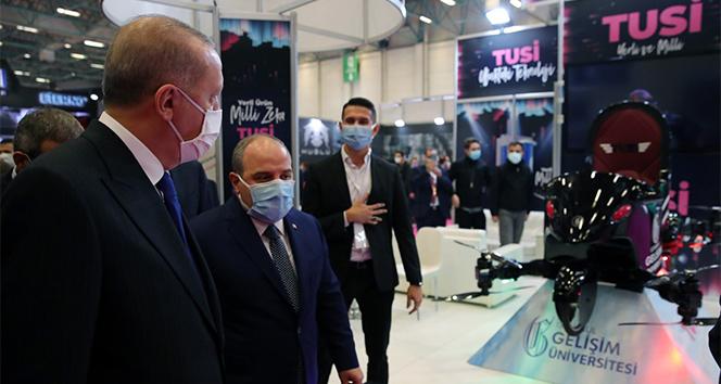 Cumhurbaşkanı Erdoğan, uçan araba TUSİ'yi inceledi!
