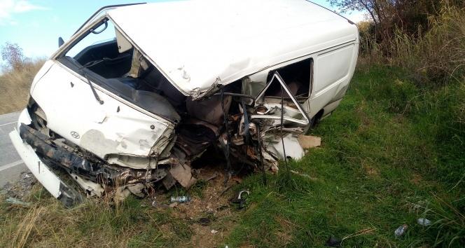 Tekirdağ'da feci kaza: Baba ve oğlu yaralandı