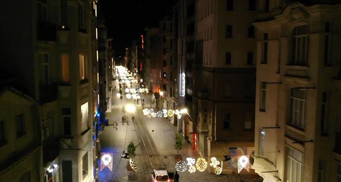 İstiklal Caddesi boş kaldı