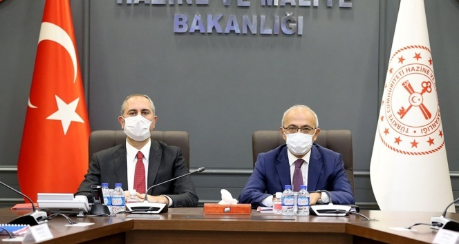 Bakan Elvan, Adalet Bakanı Abdulhamit Gül ile bir araya geldi