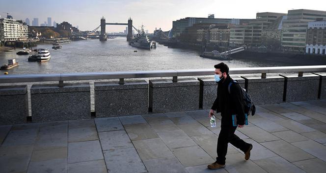 İngiltere yeniden yerel kısıtlamalara hazırlanıyor