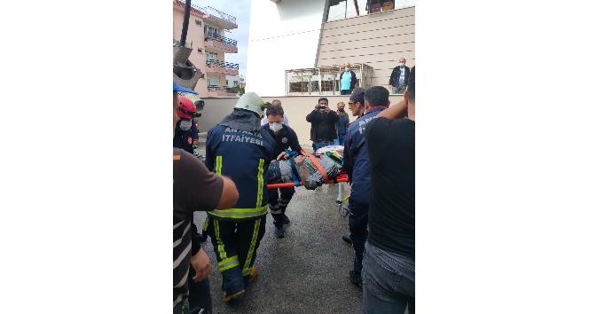 Antalya'da inşaatın beton kalıbı çöktü: 4 yaralı
