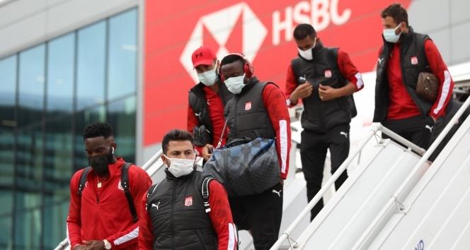 Sivasspor, Karabağ maçı için İstanbul'da