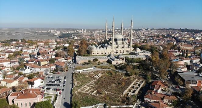 Mimar Sinan 445 yıl önce kendisini yaptı, şimdi meydanı yapılamıyor