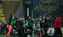 ÖZET İZLE: Fenerbahçe  3 - 4 Beşiktaş Maç Özeti ve Golleri İzle| FB BJK Kaç Kaç Bitti