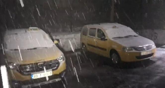 Kırklareli'de ve Edirne'de kar yağdı!