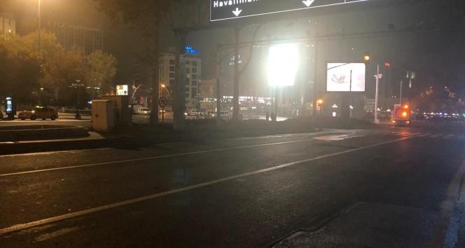 Sokağa çıkma kısıtlaması sona erdi, Ankaralılar yola çıktı