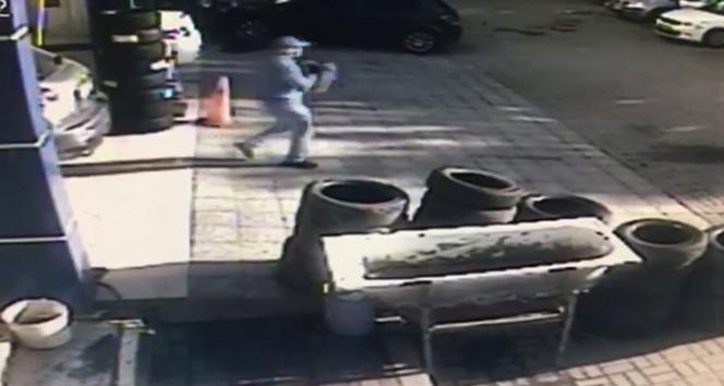 'Kolombiya çetesi', otomobilin lastiğini patlatıp 253 bin 500 lirayı çaldı
