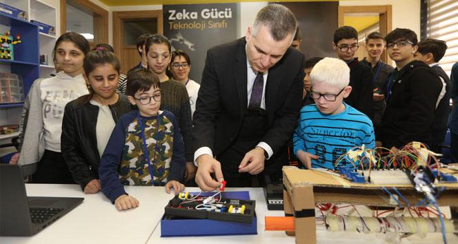 Turkcell, teknoloji ile sosyal bariyerleri aşmaya devam ediyor