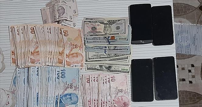 İzmir'de FETÖ/PDY'ye büyük darbe: 66 şüpheli gözaltına alındı