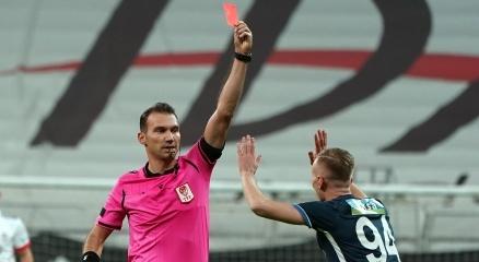 Beşiktaşın son 4 maçında da kırmızı kart çıktı