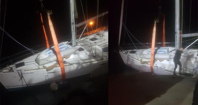 Datça'da fırtına sonrası tekne karaya oturdu