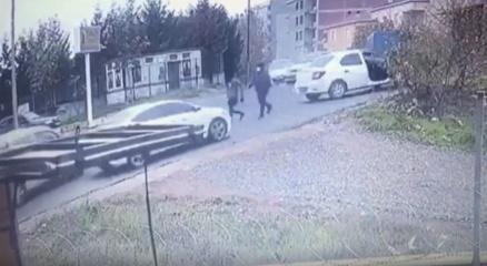 Ataşehirde eylem sahnelerini aratmayan gasp girişimi kamerada
