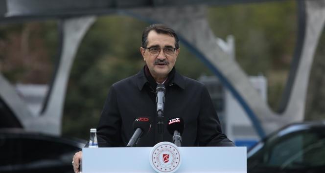 """Bakan Dönmez: """"Fatih, sondaj yapacağı yeni lokasyon olan Türkali-2'ye vardı ve çalışmalarına başladı"""""""