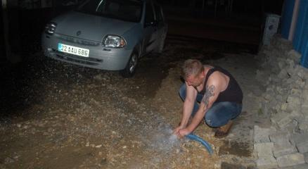 Gece yarısı korkutan su patlaması