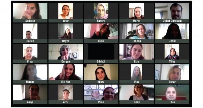 """""""Kadın için Teknoloji"""" projesinde online eğitimler başlıyor"""