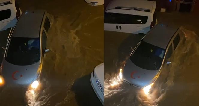 1 hafta önce aldığı arabasıyla sel sularına kapıldı