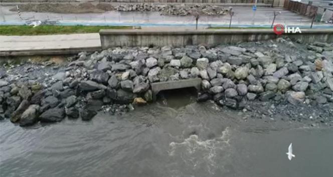 Zeytinburnu sahili çamura bulandı