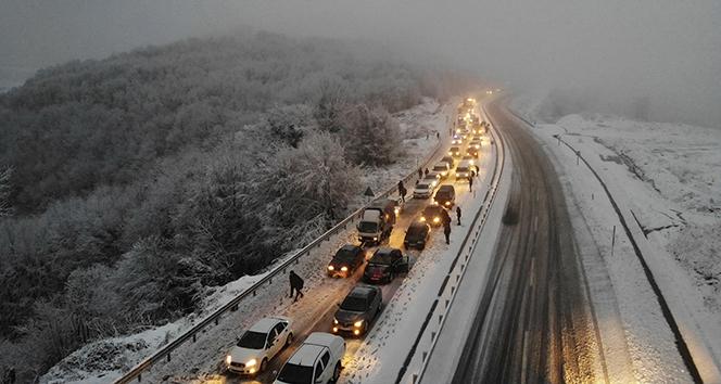 Zonguldak-Ereğli karayolu kar nedeniyle kapandı