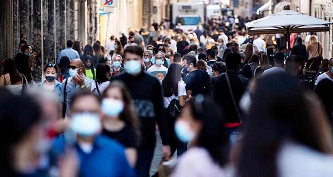 İtalya'da son 24 saatte Covid-19 kaynaklı 477 ölüm
