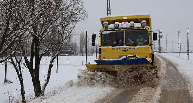 Sivas'ta 177 köy yolu ulaşıma kapandı