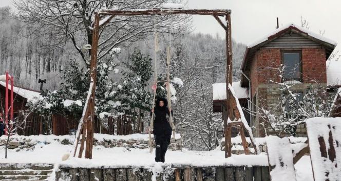 Kar yağdı, vatandaşlar çılgınca eğlendi
