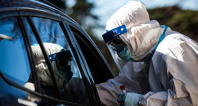 İtalya'da günlük korona virüs vaka sayıları 10 binin altına indi!