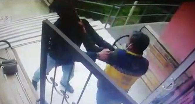 İzmir'de sağlık personeline saldırı anı kamerada