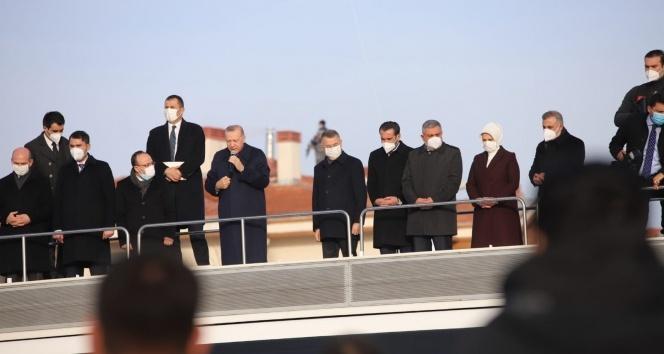 Cumhurbaşkanı Erdoğan'dan Elazığ'da deprem konutları teslim töreninde konuştu: '6 ay içinde bitecek'