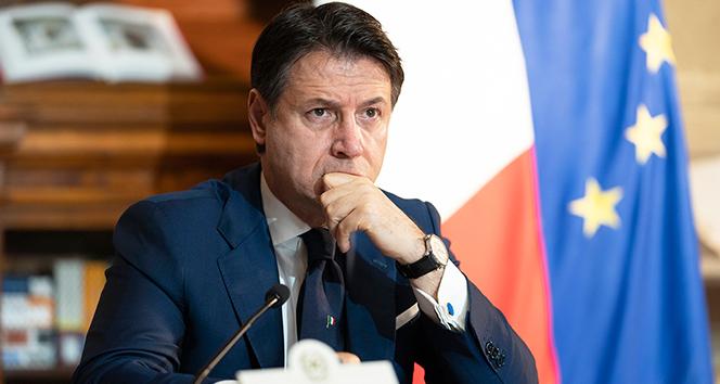 İtalya'da Başbakan Giusseppe Conte istifa etti