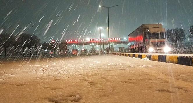 Türkiye'nin Avrupa'ya açılan kapısı beyaza büründü