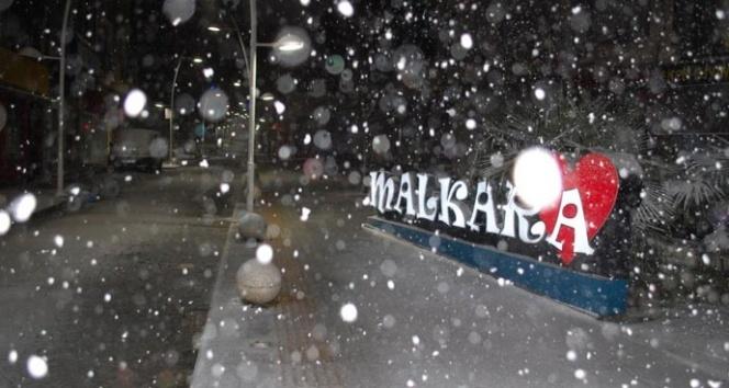 Meteoroloji uyarmıştı, kar yağışı başladı