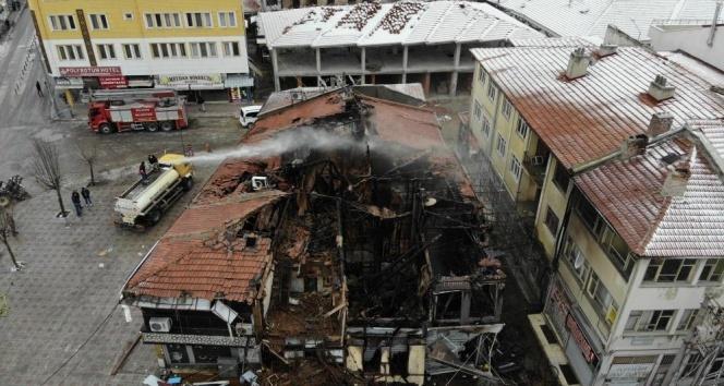 15 dükkanın yandığı olayda facianın boyutu gün ağardığında ortaya çıktı
