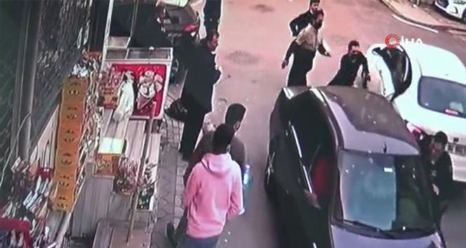 Sultangazi'de yol verme kavgasında 17 yaşında bir genç vuruldu