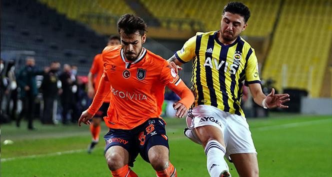 Başakşehir, Fenerbahçe'yi 2-1 mağlup ederek yarı finale yükseldi