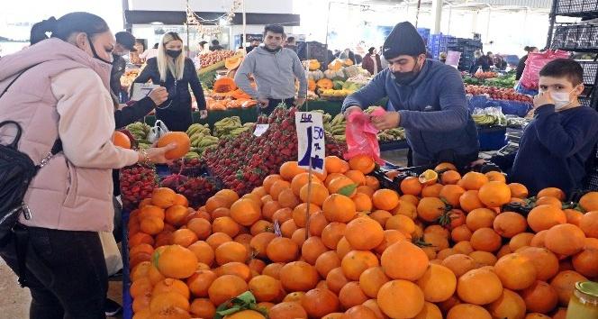 Aşırı sıcaklar Antalya'nın dünyaca ünlü portakalını üç kat büyüttü