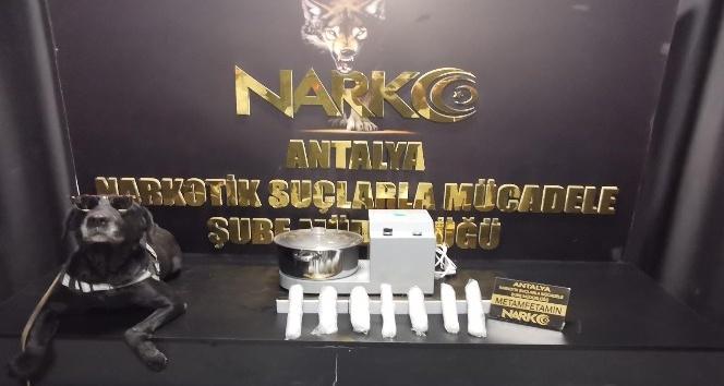 Kargoya verilen blender cihazının içinden1 kilo uyuşturucu çıktı