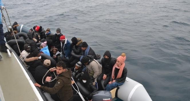 Ayvalık'ta 31 göçmen kurtarıldı