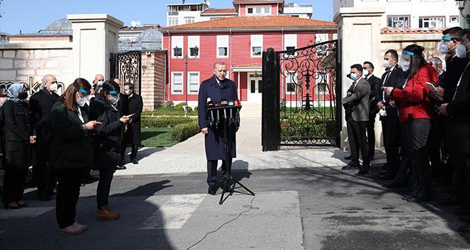 Cumhurbaşkanı Erdoğan: 'Biz darbenin her türlüsüne karşıyız. Darbeleri kabul etmemiz özellikle mümkün değildir'