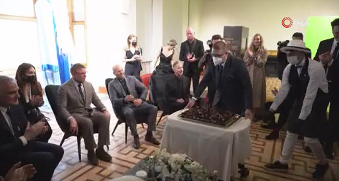 Dünyaca ünlü aktör Jason Statham Tarihi Atlas Sineması açılışına katıldı