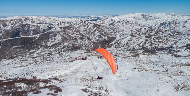 Yıldız Dağında yamaç paraşütü rüzgarı