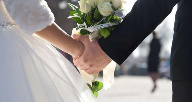 Normalleşme sonrası nikahlar 50 kişiyi geçmeyecek şekilde kıyıldı
